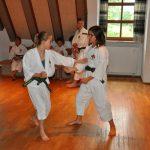 Jasmin und Kiara beim Embu-Training